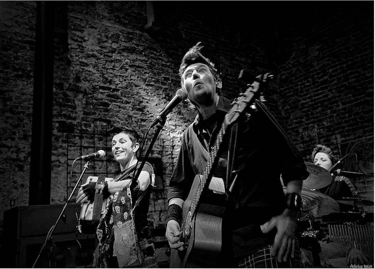 Les Fées Minées trio Folk and Roll concert Mesnil L'Eglise